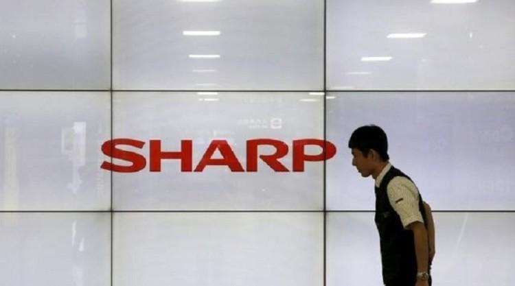 Sharp to invest $1b in SoftBank fund